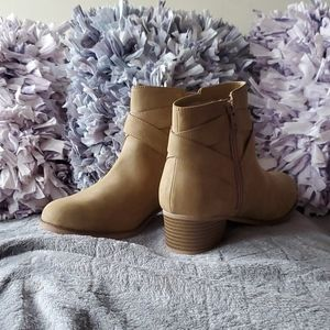Children's place heeled boots